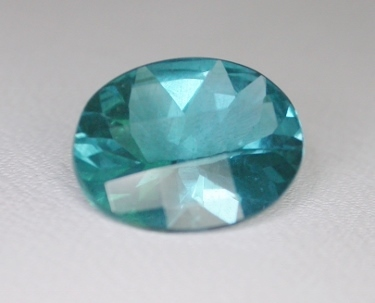 APATITE (Neon, Madagascar) – 3.42 ct.  Oval-- VIDEO