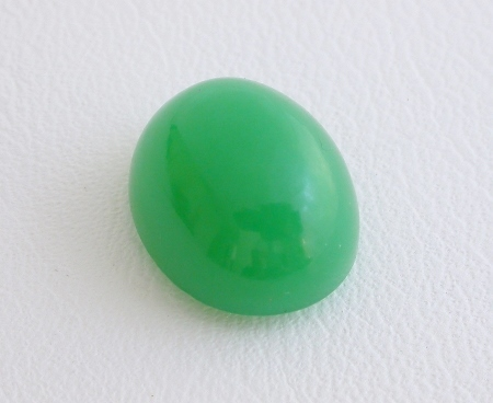 CHRYSOPRASE CABOCHON  (AUSTRALIA) – 9 X 11 MM. OVAL, 4.44 CT.