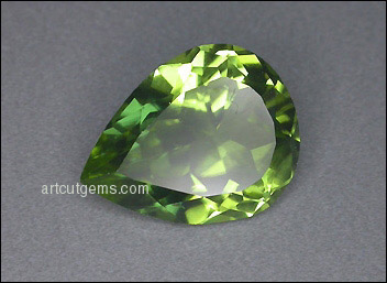 PERIDOT (China) – 3.53 ct. PEAR SHAPE